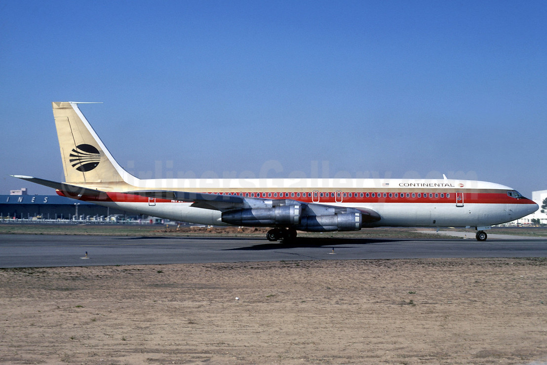 Continental Airlines Boeing 707-324C N17328 (msn 19351) LAX (Ted J. Gibson - Bruce Drum Collection). Image: 101962.