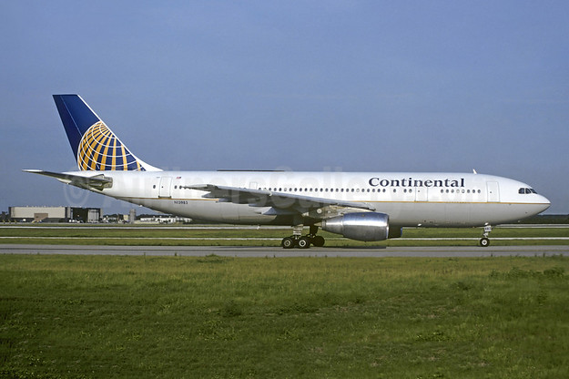Continental Airlines Airbus A300B4-103 N13983 (msn 92) MCO (Brian J. Gore - Christian Volpati Collection). Image: 954908.