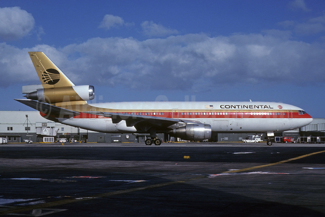Continental Airlines McDonnell Douglas DC-10-10 N68047 (msn 47801) MIA (Keith Armes). Image: 907654.