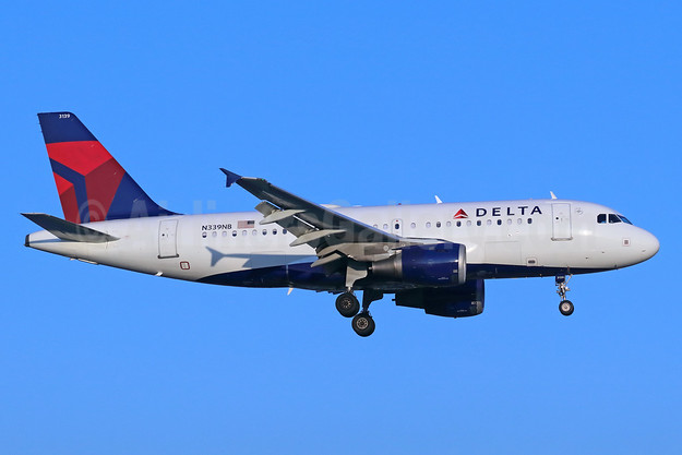Delta Air Lines Airbus A319-114 N339NB (msn 1709) SNA (Michael B. Ing). Image: 939963.