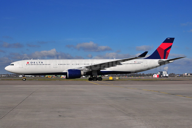 Delta Air Lines Airbus A330-323 N801NW (msn 524) AMS (Ton Jochems). Image: 901945.