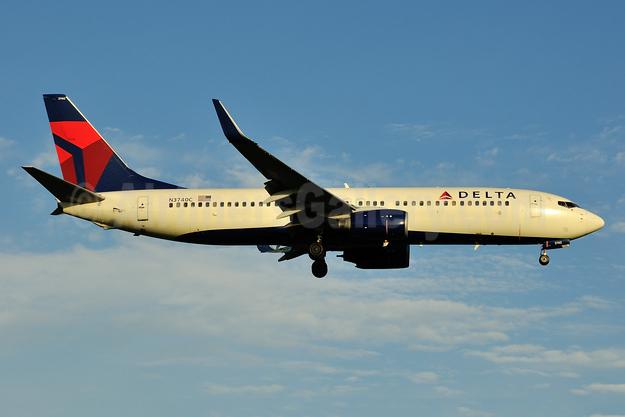 Delta Air Lines Boeing 737-832 WL N3740C (msn 30800) RDU (Ken Petersen). Image: 944233.