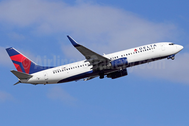 Delta Air Lines Boeing 737-832 WL N387DA (msn 30374) SEA (Michael B. Ing). Image: 913461.