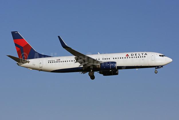 Delta Air Lines Boeing 737-832 WL N389DA (msn 30376) DCA (Brian McDonough). Image: 906063.