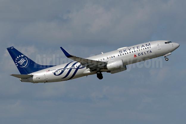 Delta Air Lines Boeing 737-832 WL N3765 (msn 30819) (SkyTeam) FLL (Jay Selman). Image: 403708.