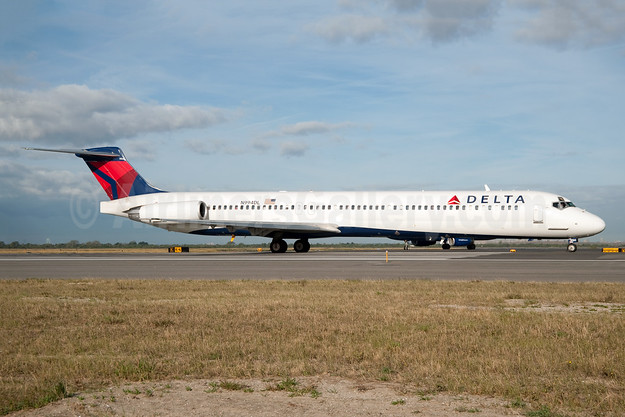 Delta Air Lines McDonnell Douglas MD-88 N994DL (msn 53346) JFK (Fred Freketic). Image: 950150.