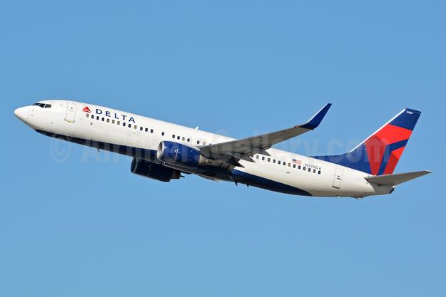 Delta Air Lines Boeing 737-832 WL N376DA (msn 29624) LAX (Jay Selman). Image: 402954.