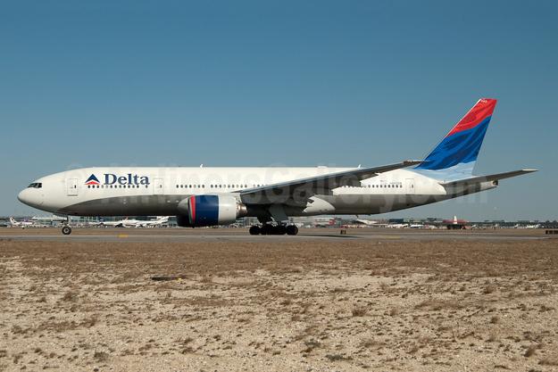 Delta Air Lines Boeing 777-232 ER N862DA (msn 29734) JFK (Fred Freketic). Image: 949819.