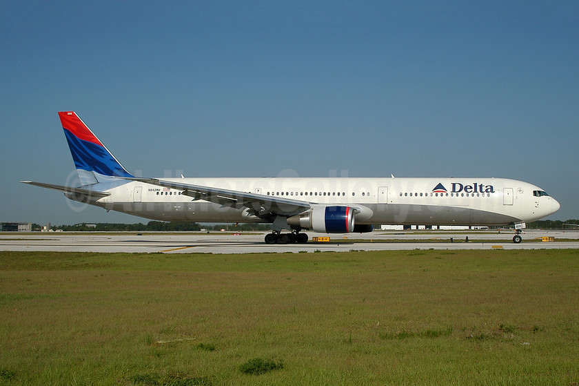 Delta Air Lines Boeing 767-432 ER N842MH (msn 29715) MCO (Ton Jochems). Image: 953275.