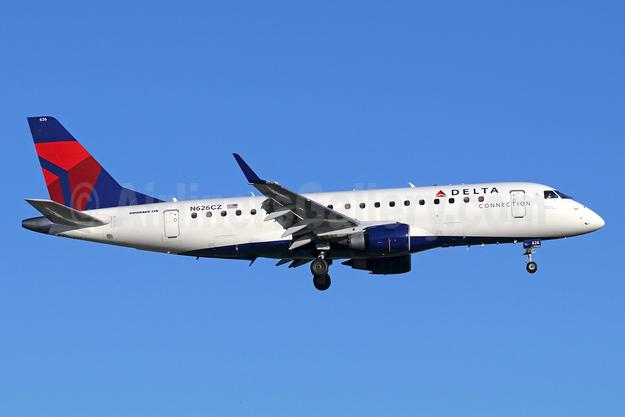 Delta Connection-Compass Airlines Embraer ERJ 170-200LR (ERJ 175) N626CZ (msn 17000226) SNA (Michael B. Ing). Image: 947248.
