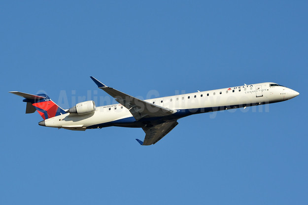 Delta Connection-Endeavor Air Bombardier CRJ900 (CL-600-2D24) N302PQ (msn 15302) JFK (Jay Selman). Image: 403616.