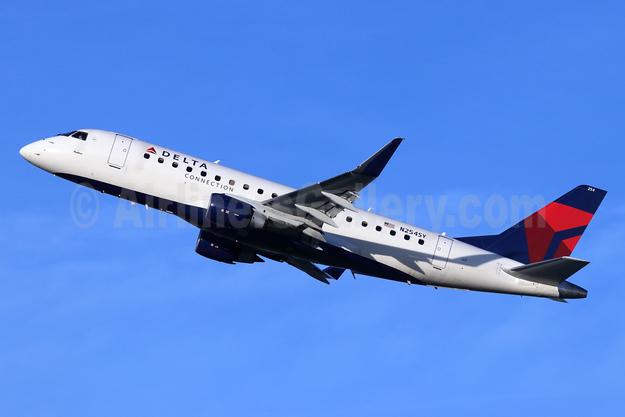 Delta Connection-SkyWest Airlines Embraer ERJ 170-200LR (ERJ 175) N254SY (msn 17000621) LGB (Michael B. Ing). Image: 947251.