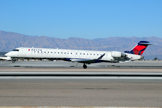 Delta Connection-SkyWest Airlines Bombardier CRJ900 (CL-600-2D24) N810SK (msn 15093) LAS (Ton Jochems). Image: 911201.