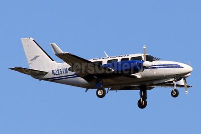 Sun Air Express Piper PA-31-350 Navajo Chieftain N225TM (msn 31-8152165) IAD (Brian McDonough). Image: 928596.