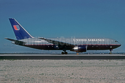 United Airlines Boeing 767-222 N610UA (msn 21871) JFK (Roy Lock). Image: 921666.