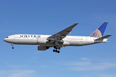 United Airlines Boeing 777-222 ER N224UA (msn 30225) LAX (Michael B. Ing). Image: 911673.