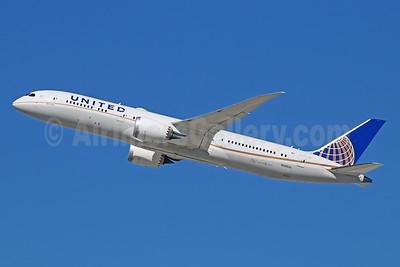 United Airlines Boeing 787-9 Dreamliner N38955 (msn 37814) LAX (Michael B. Ing). Image: 930056.