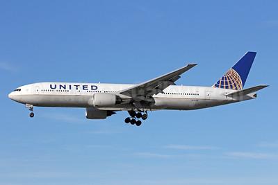 United Airlines Boeing 777-222 ER N797UA (msn 26924) LAX (Michael B. Ing). Image: 908963.