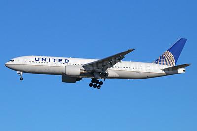 United Airlines Boeing 777-222 ER N784UA (msn 26951) NRT (Michael B. Ing). Image: 923738.