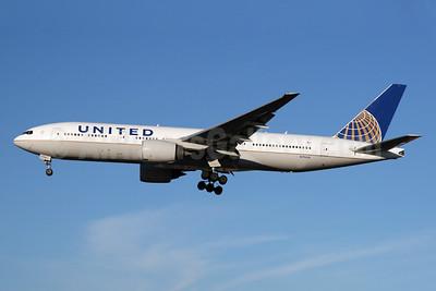 United Airlines Boeing 777-222 ER N796UA (msn 26931) LHR (SPA). Image: 929608.