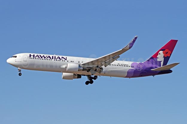 Hawaiian Airlines Boeing 767-3CB ER WL N588HA (msn 33466) LAX (Ron Monroe). Image: 944044.