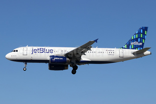 JetBlue Airways Airbus A320-232 N584JB (msn 2149) (Highrise) LGB (Michael B. Ing). Image: 946259.
