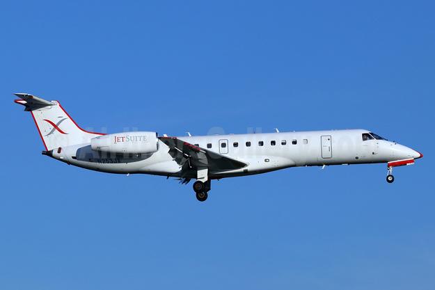 JetSuiteX Embraer ERJ 135LR N253JX (msn 145328) SNA (Michael B. Ing). Image: 946632.