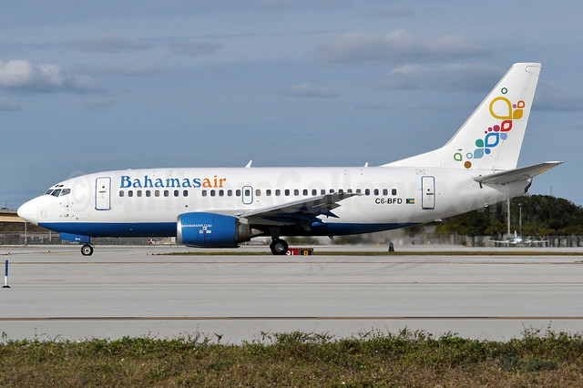 Bahamasair Boeing 737-5H6 C6-BFD (msn 26448) FLL (Tony Storck). Image: 910709.