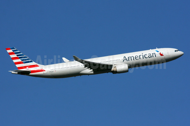 Type Retired: April 8, 2020 (flight AA 9607 SAL-ELP with N272AY)