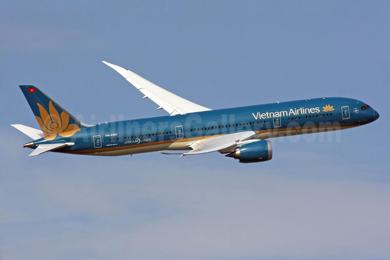 Vietnam Airlines Boeing 787-9 Dreamliner VN-A861 (msn 35151) LHR (SPA). Image: 929380.