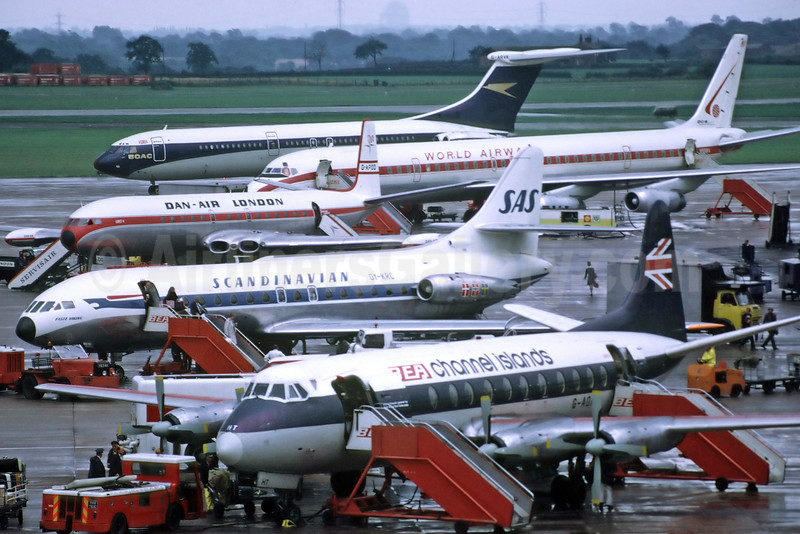 A crowded ramp at London's Heathrow Airport in the past (Richard Vandervord). Image: 924768.